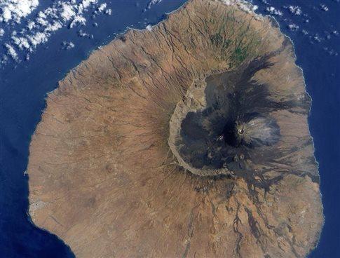 Αρχαία κατάρρευση ηφαιστείου «σήκωσε τσουνάμι 180 μέτρων»