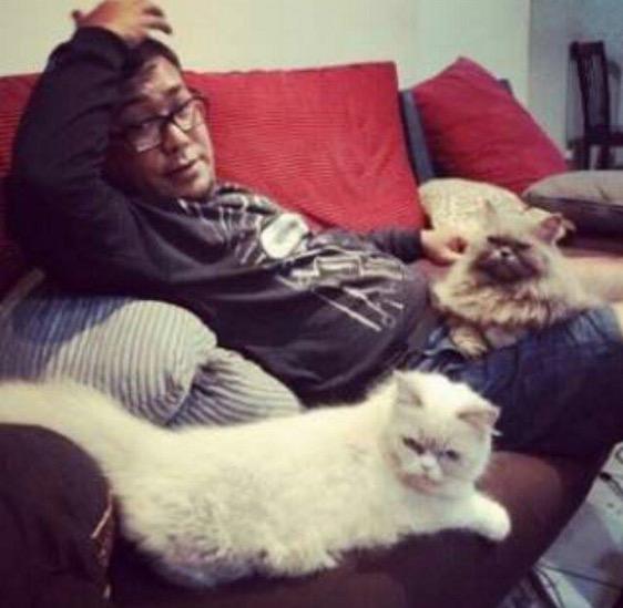 Pak Yus Pencinta Kucing, Ini Buktinya.