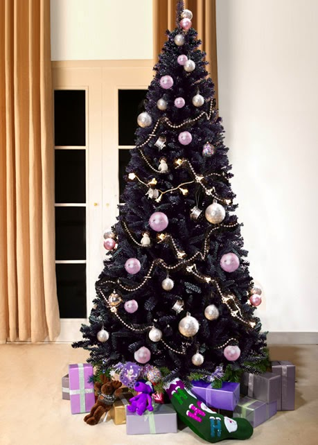 para decorarlo es escoger los adornos en blanco pudiendo combinarlos con plata yo cristal para acentuar el color oscuro de nuestro rbol navideo
