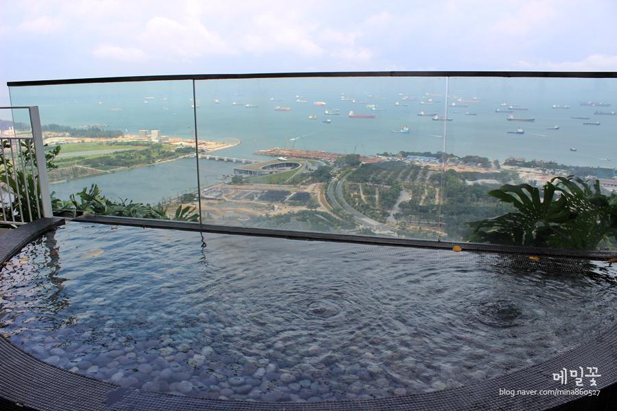 [싱가포르여행] 21.마리나베이샌즈호텔 옥상수영장의 낮과밤 :)