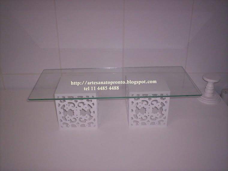 2 Bases com vidro para docinhos   R$ 120,00