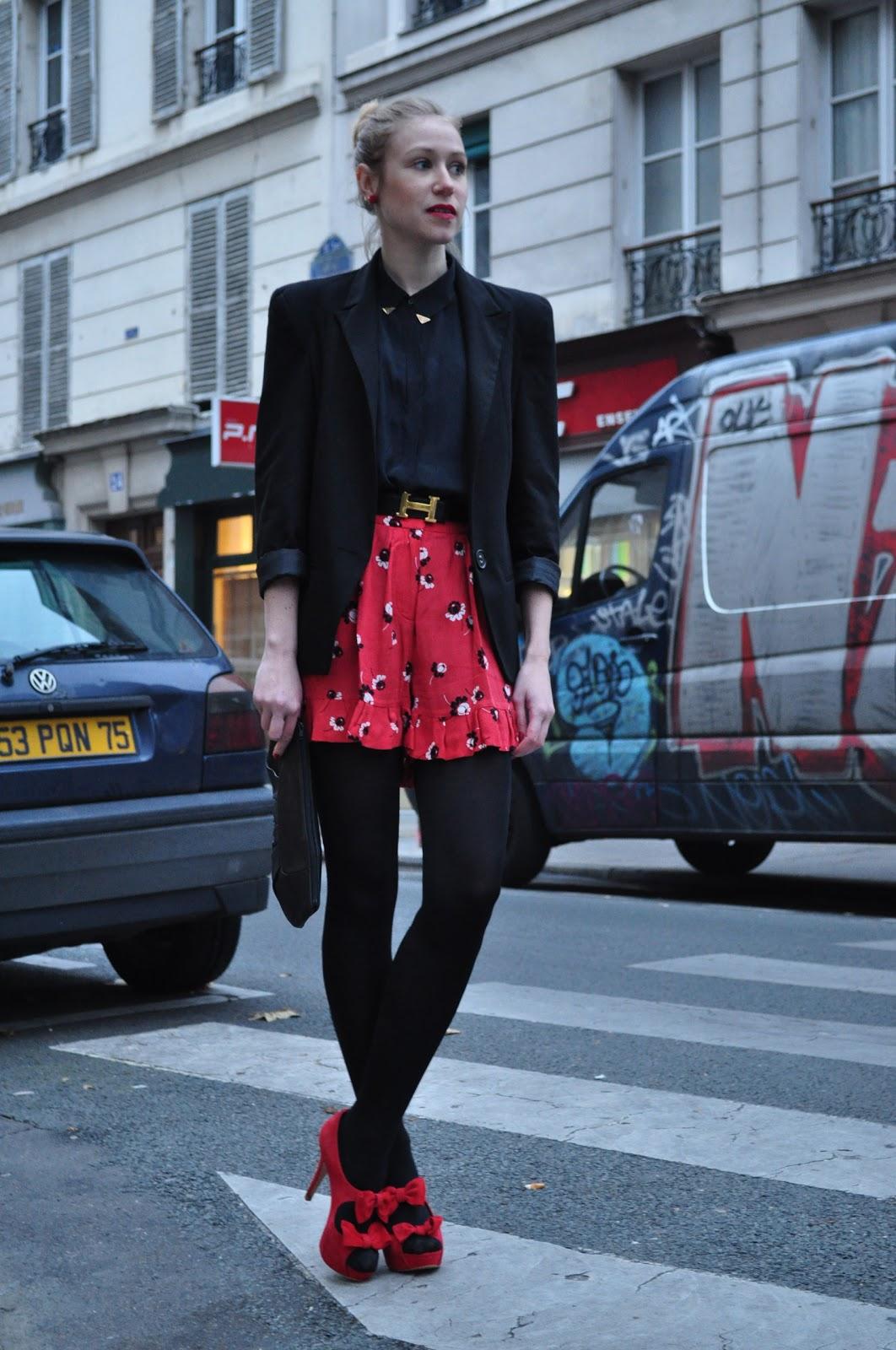 great blog robe robe rouge et collant noir opaque. Black Bedroom Furniture Sets. Home Design Ideas