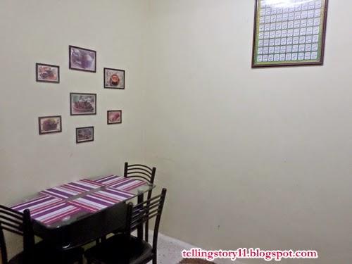 Ruang Makan yang Low Profail