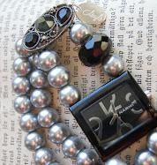 Många nya smycken