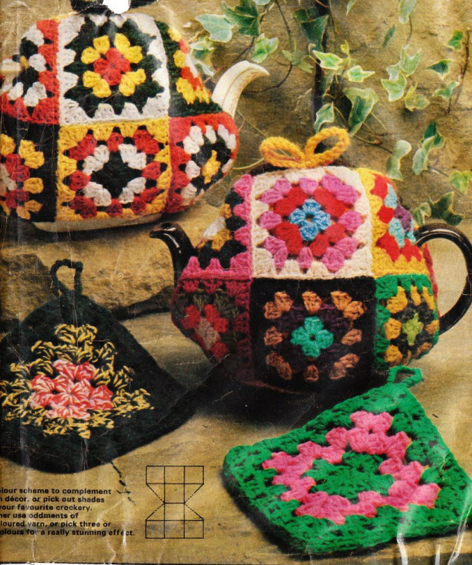 my handmade heart granny square tea cozy instructions. Black Bedroom Furniture Sets. Home Design Ideas