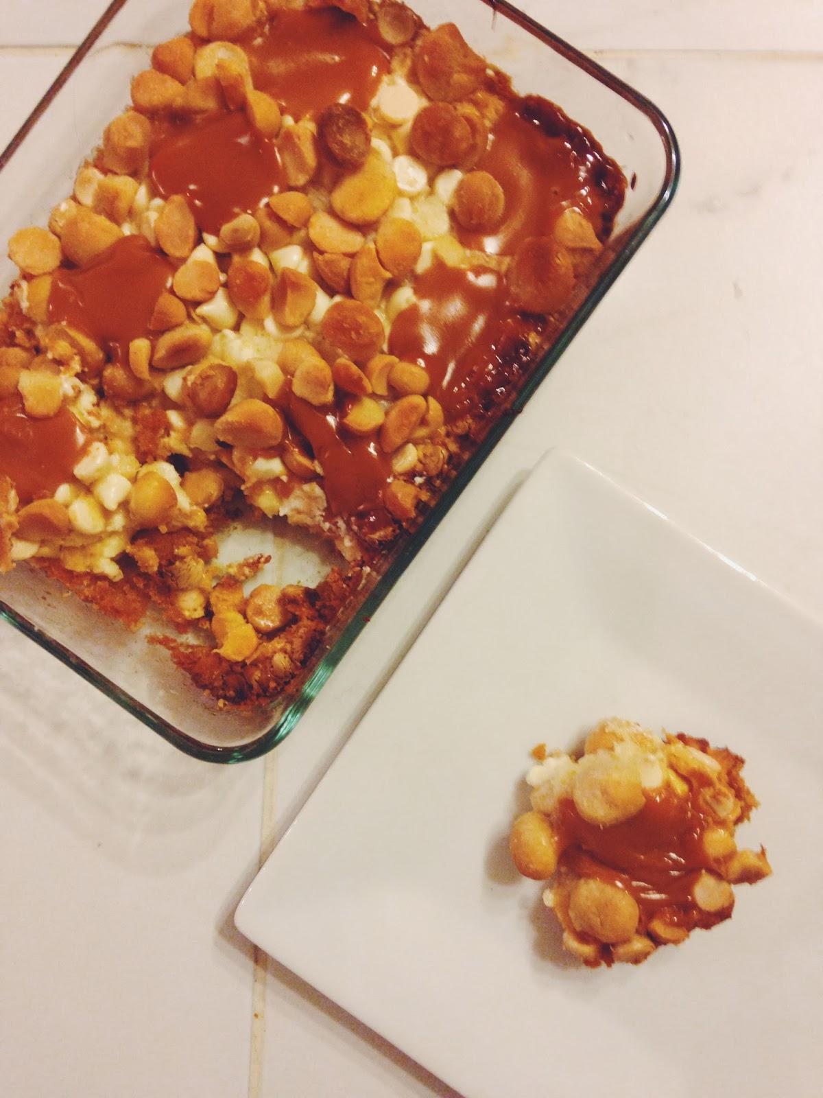 ... Sparkle Kitchen: White Chocolate, Macadamia Nut & Caramel Cookie Bars