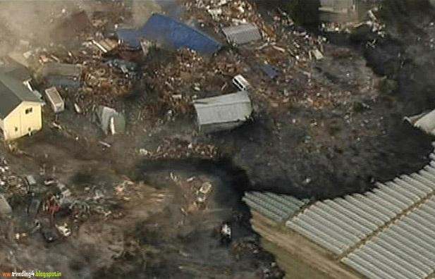 Japan Earth Quake in 2012 December Latest News Photos Fukushima Disaster Tsunami People