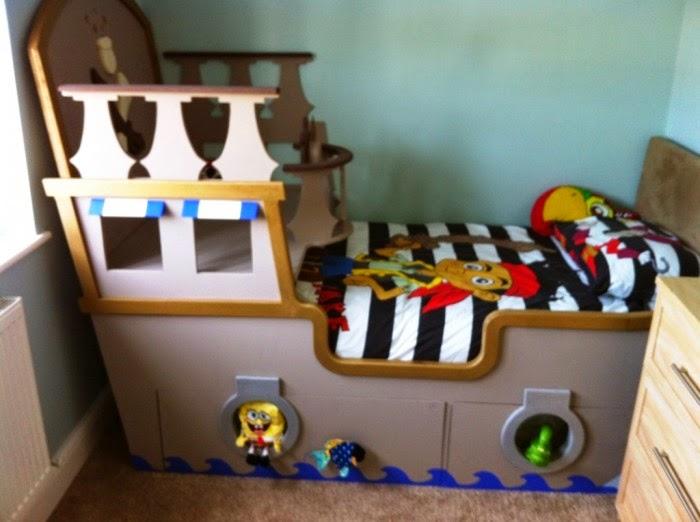 Desain kamar tidur anak model kapal laut yang menyenangkan