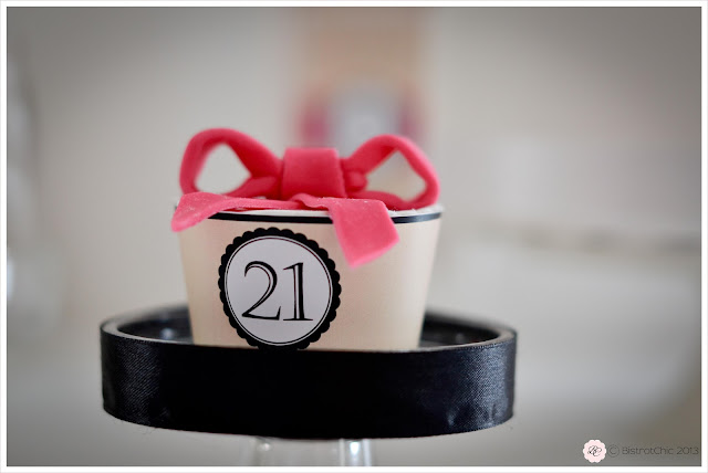 Pink and black 21st birthday party cupcake display from Bistrotchic