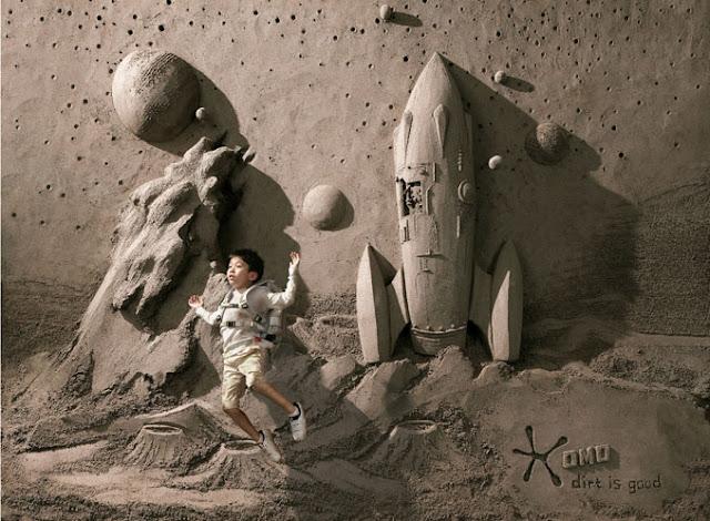 Dirt is good, lowe singapour,Jooheng Tan,art,arte,arena,escultura,sculture,sand,astronauta,cohete,niño,luna,moon