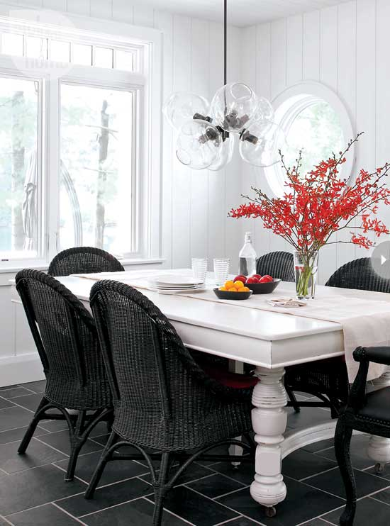 Small boathouse with big cottage charm nbaynadamas for Dining room table with wicker chairs
