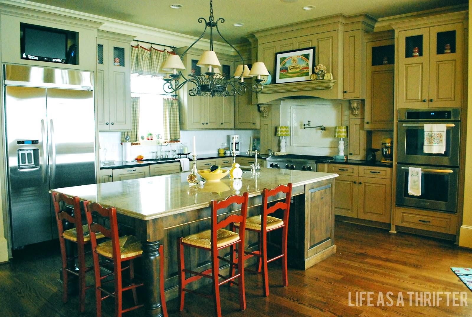 Life as a Thrifter: Welcome to Annie\'s: Kitchen