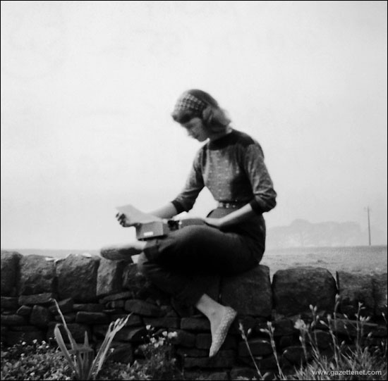 sylvia plath writing style ดูวิดีโอ sylvia plath was an american poet best known for her novel the bell jar, and for her poetry collections the colossus and ariel poet and novelist sylvia plath was born on october 27, 1932, in boston, massachusetts sylvia plath was a gifted and troubled poet, known for the confessional style of her.
