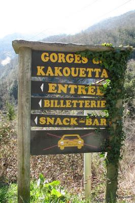 Letrero en la entrada de las Gorges de Kakouetta