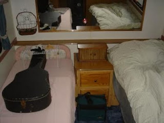 Guitar on it's own bed