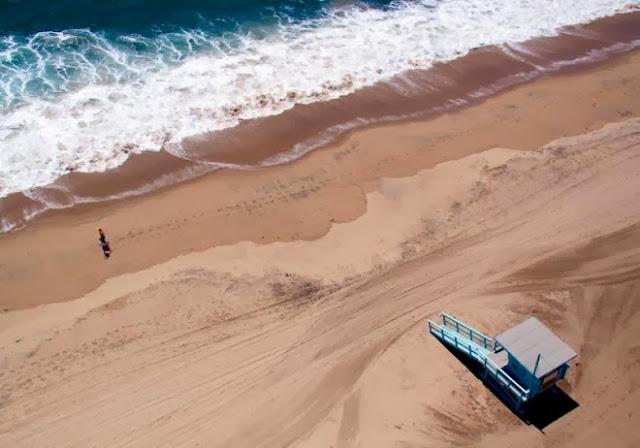 santa monica lifeguard stand aerial maison gray 660x462