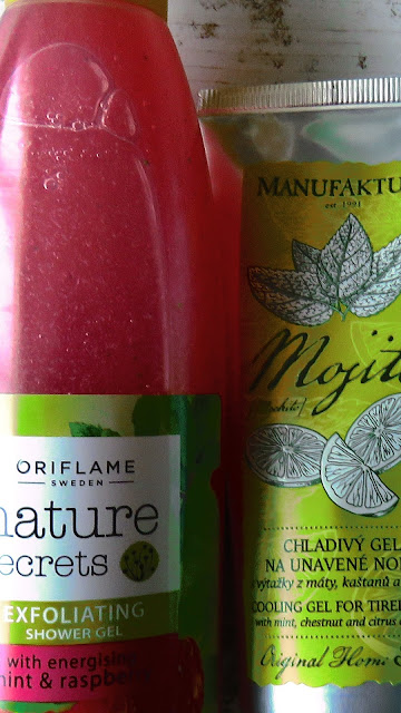 Oriflame Exfoliating Shower Gel with mint and raspberry, Manufaktura Cooling Gel for Tired Legs