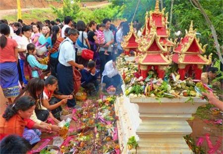ເຂົ້າພັນສາ Khao Phaxa Festival