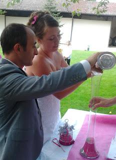 cérémonie laïque, cérémonie du sable, mariage, photobooth, weedingblues, gris, fuschia