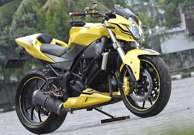 Ini beberapa kumpulan gambar modifikasi terbaru untuk saat ini. Jenis Kawasaki ini memang sekarang sedang maraknya untuk diprebincangkan baik dari segi modifikasi maupun Spesifikasi Dan Harga Kawasaki Ninja 250R di pasaranannya. Untuk Kumpulan Gambar Modifikasi Kawasaki Ninja 250R silakan simak berikut.