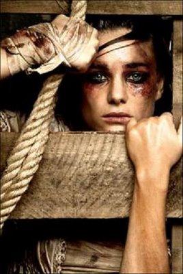 Las mujeres prisioneras sufren tormento sexual