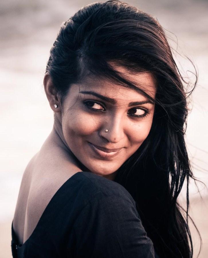 Mariyaan Film Parvathi Menon Photos