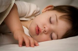 كيف تساعد عضلاتك على النمو خلال نومك؟