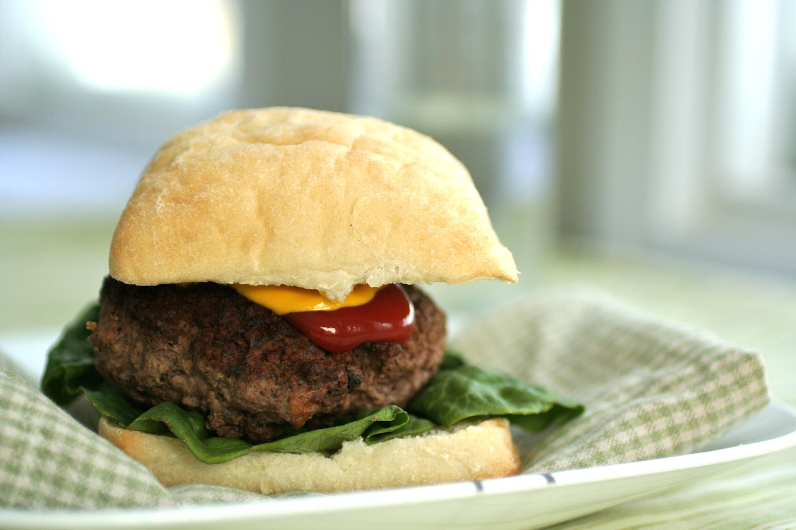 Meal Planning 101: Smoked Cheddar Stuffed Burgers