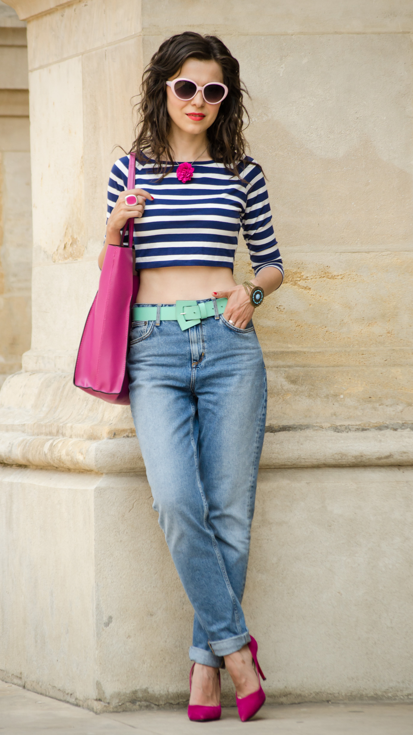 mom jeans crop top blue maxi bag fuchsia bright orchid shoes minty belt zara H&M navy stripes