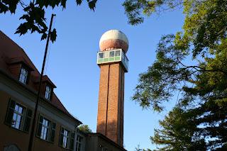 ehemaliger Wetterradarturm des Meteorologischen Dienstes der DDR mit 38 Meter Höhe
