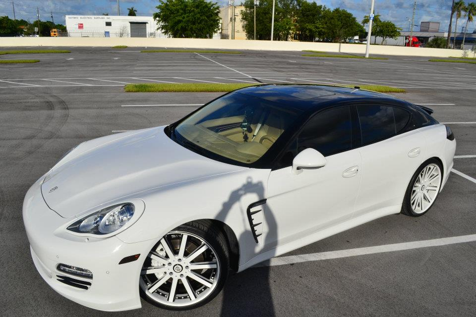 photos of a porsche panamera as you can see in the photos the roof is painted black while the remainder of the body is white check it out you wont - Porsche Panamera Black And White