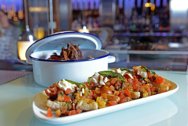Jack Daniel's Bucket of Bones and Bruschetta from TGI Fridays | Anyonita-nibbles.co.uk