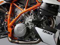 gambar motor 5 | 2012 KTM 990 Duke R
