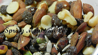 DIY healthy trail mix