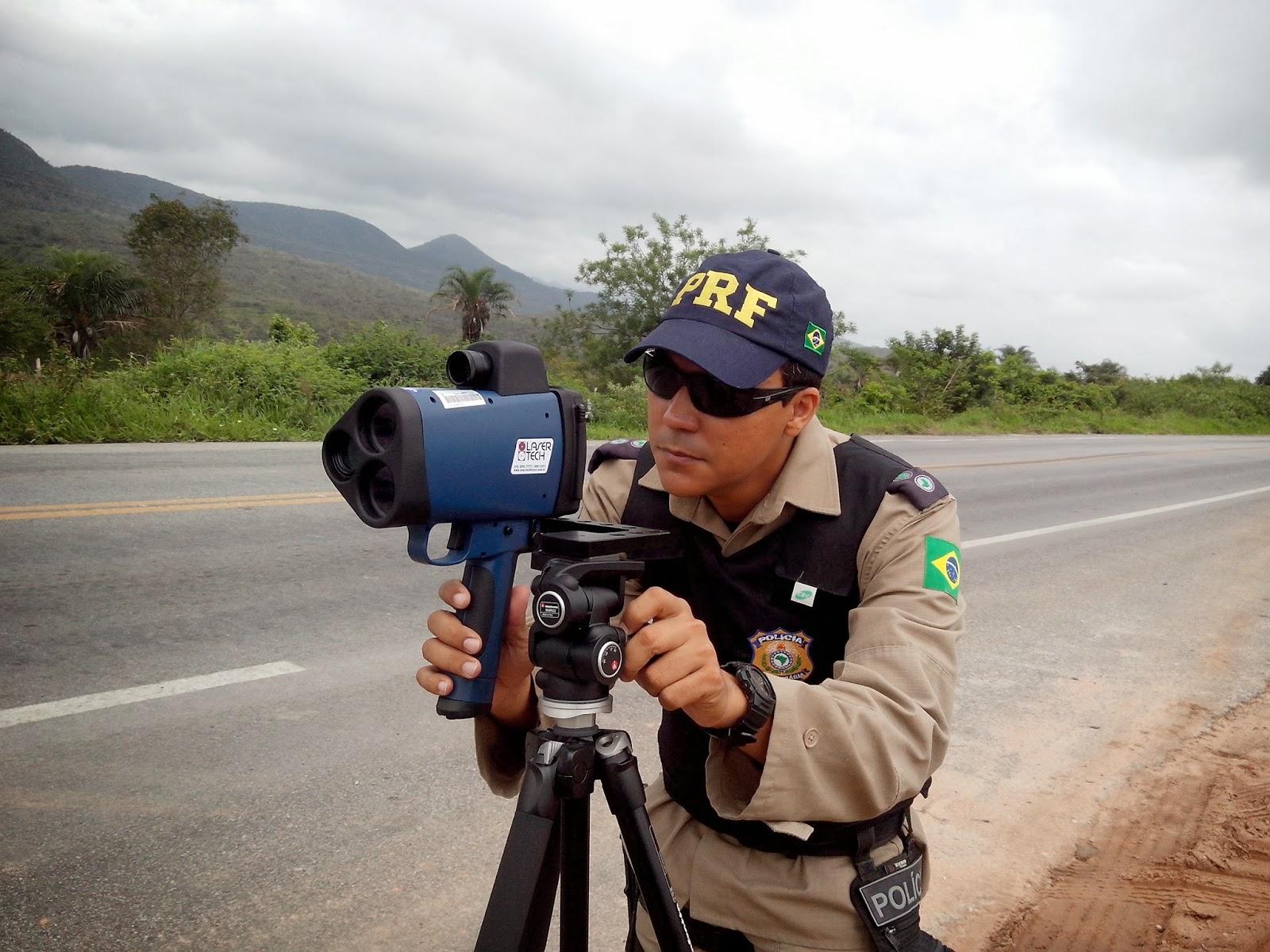 POLICIAL  NOVO RADAR DA PRF J   EST   SENDO UTILIZADO PELA DEL  10 04