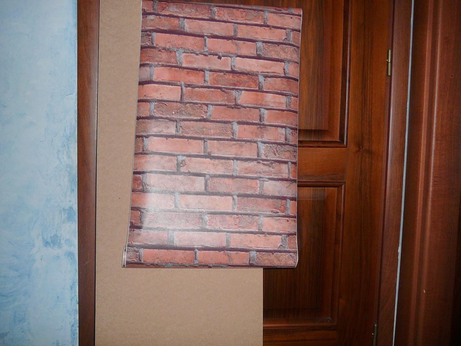 La soffitta di isotta il finto pilastro in mattoni for Carta muro lavabile adesiva