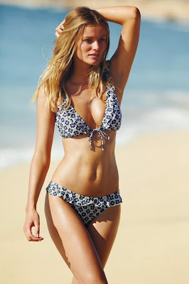 Lithuanian beauty model Edita Vilkeviciute was so hot tight little body for sexy Next bikini photos