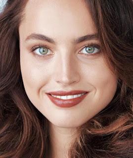 Lipstik Warna Coklat Brown untuk Bibir Gelap Cantik Memikat