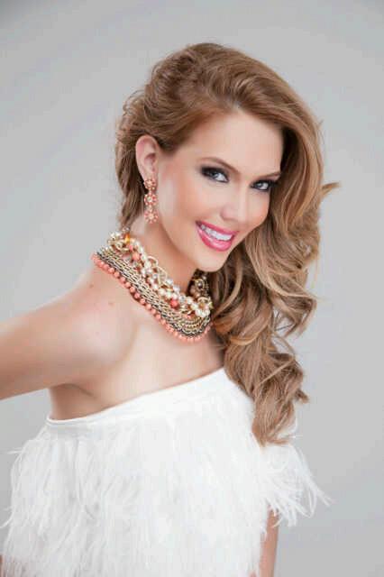 Blanca Aljibes hot photoshoot