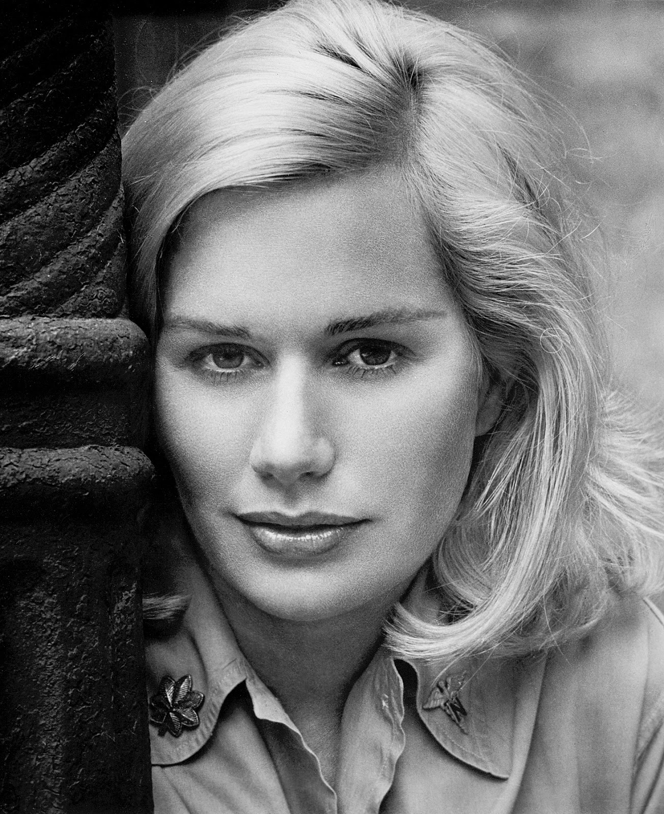 Famous Nude Images: Sally Kellerman