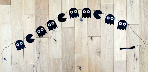 Как сделать гирлянду на хэллоуин из бумаги видео