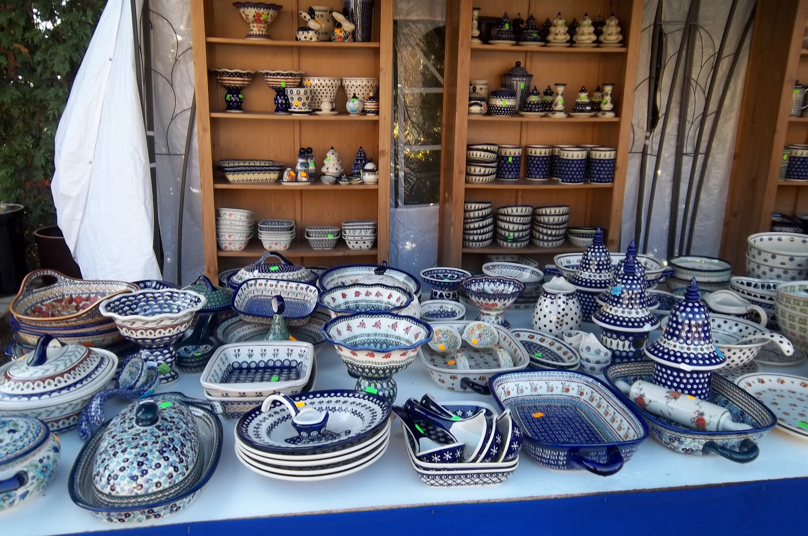 Tips for Polish Pottery Shopping in Poland & One Tea One Coffee: Tips for Polish Pottery Shopping in Poland