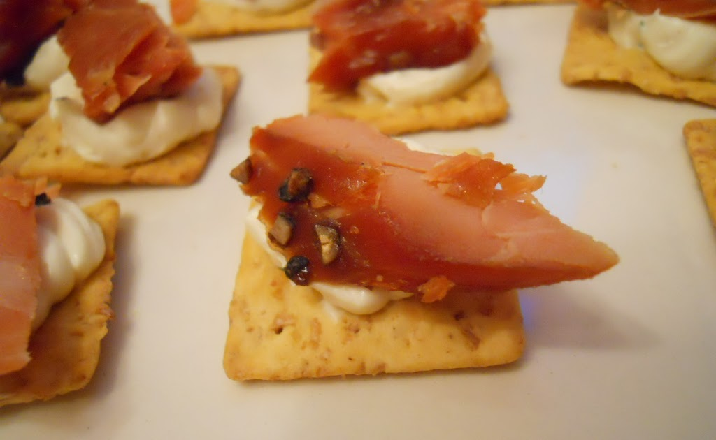 Joie patisserie smoked salmon canapes for Where can i buy canape cups