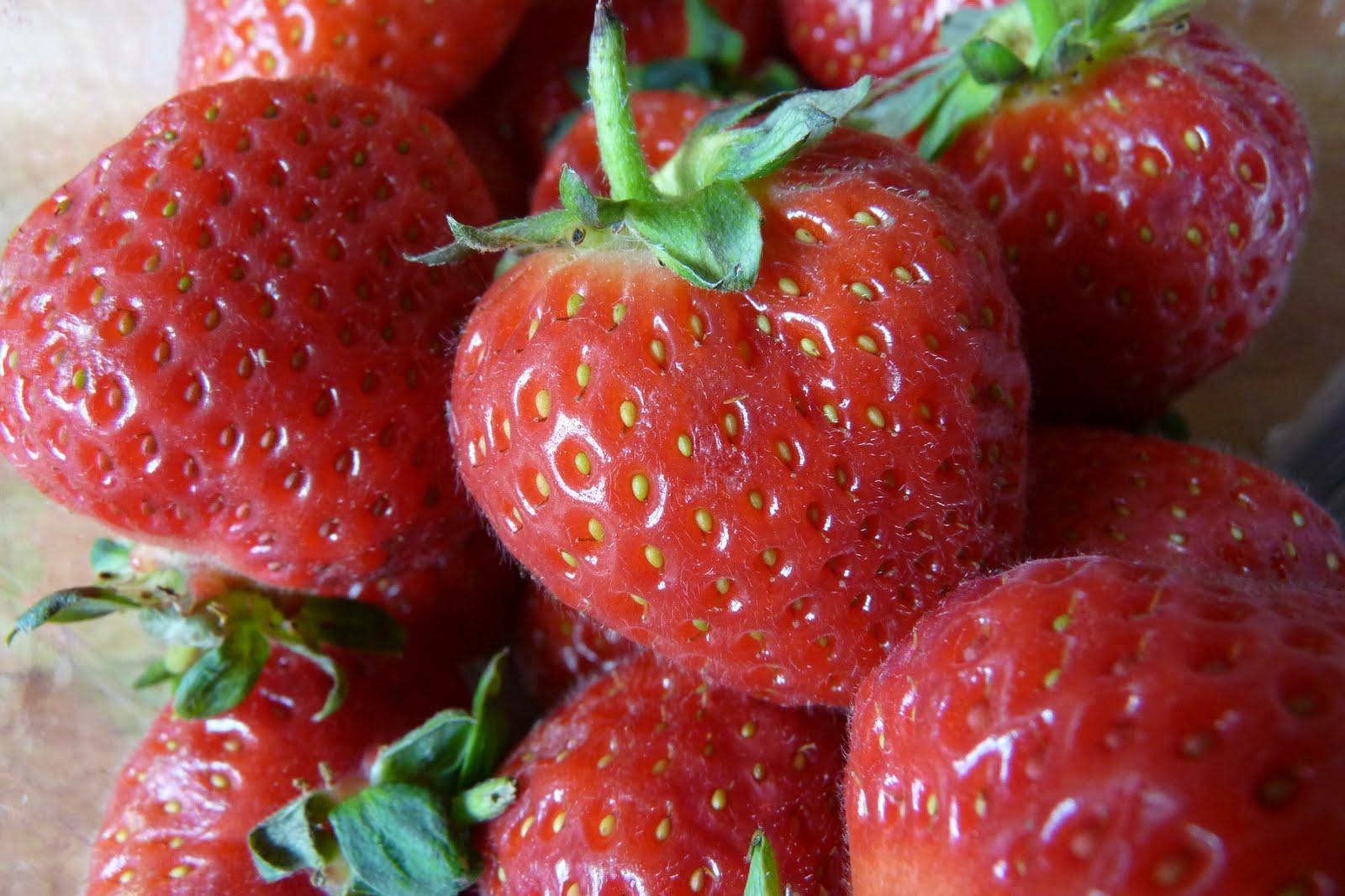 Easy Peasy Strawberry Conserve!