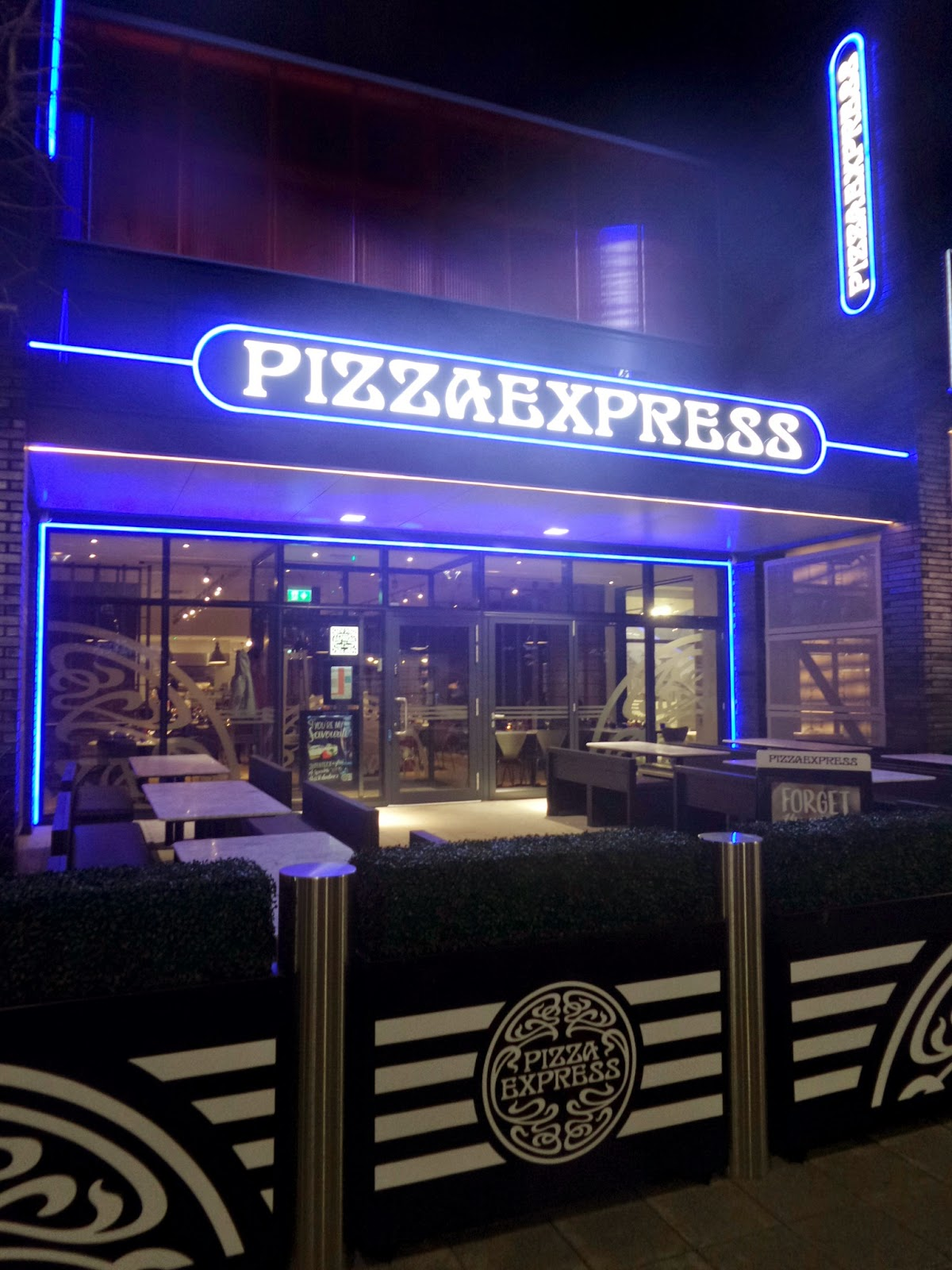 Pizza Express, where the children paid for our meall