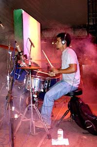 Rubens Ferro(Bateria).