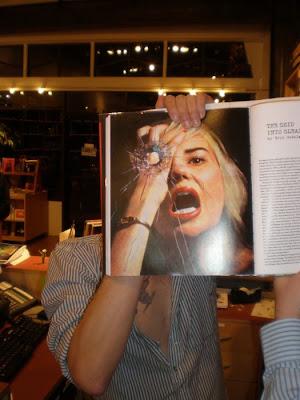 صور مضحكة من غلاف الكتب