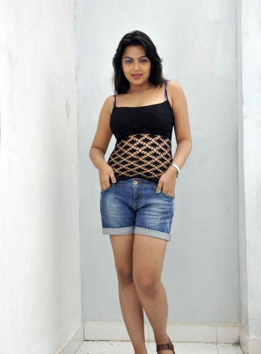 Priyanka Tivari Images 3