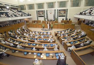 12 مقطع لردود فعل بعض الاعضاء لعدم حضور الحكومة جلسة الاربعاء 23-5-2012