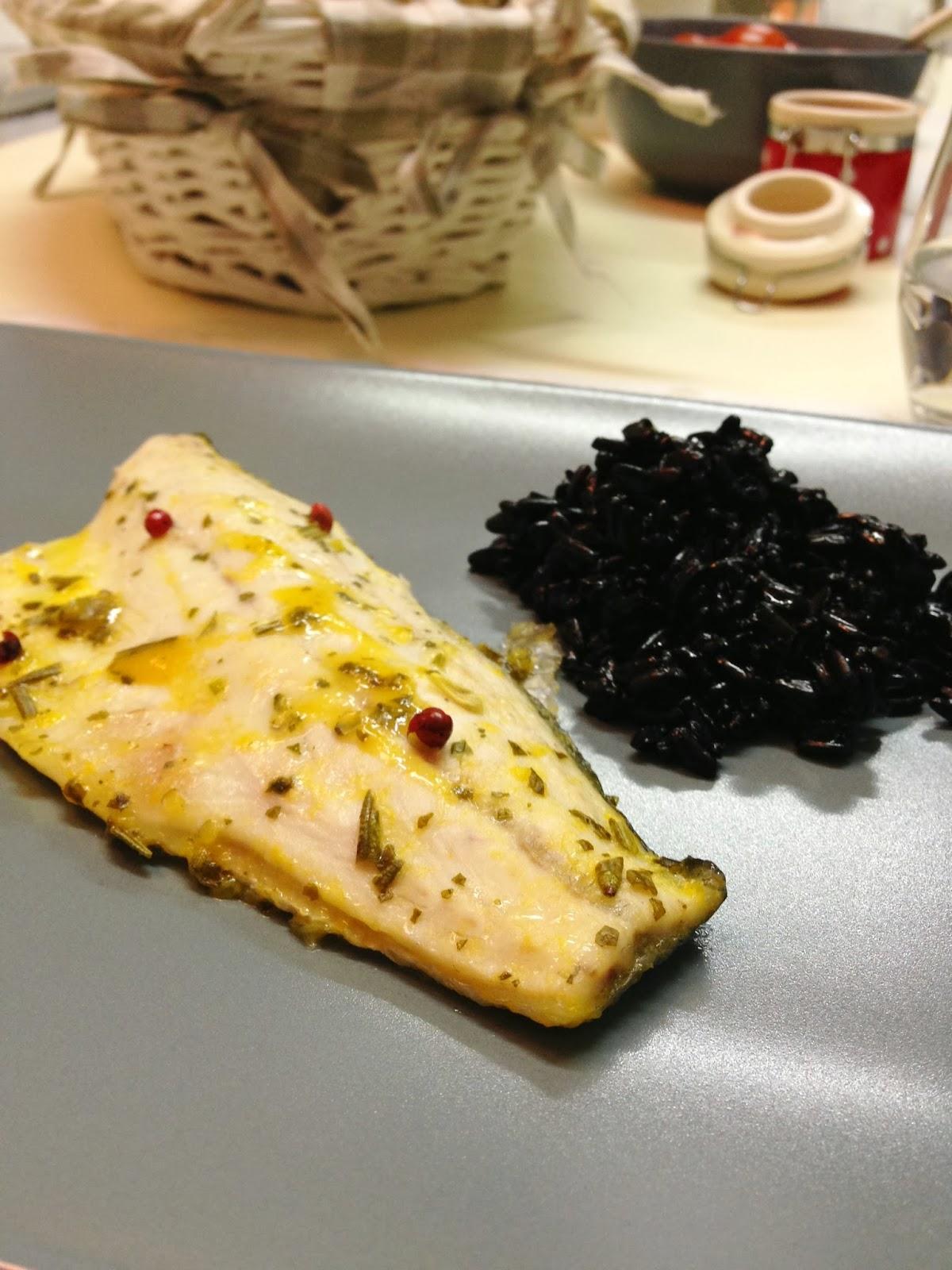 spigola al forno con agrumi e pepe rosa {salva-cena n°5}